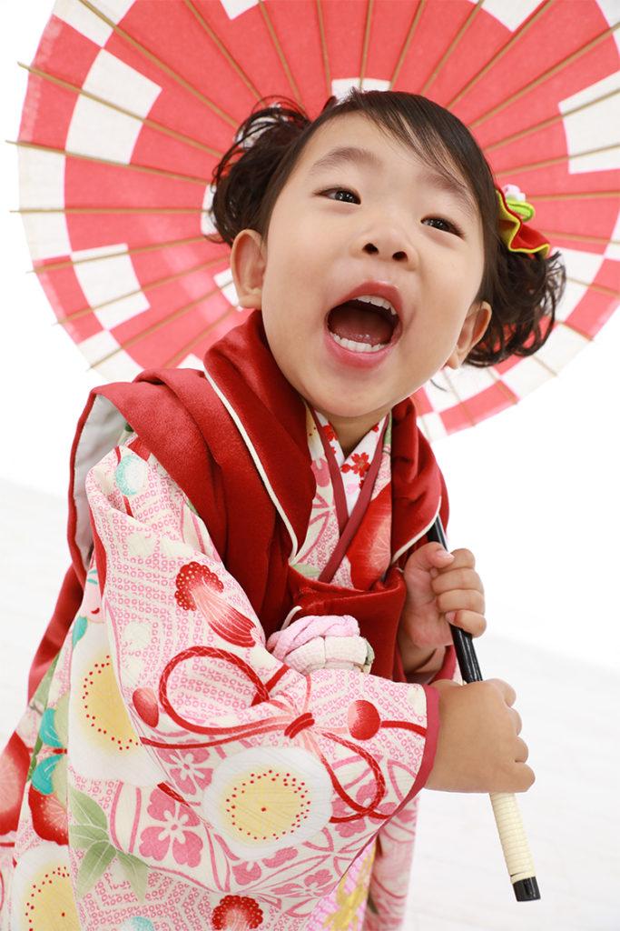七五三 女の子 3歳 被布 スタジオ 写真